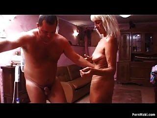сексуальная блондинка бабушка любит жесткий член