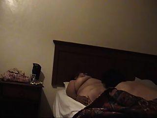 пожилая шлюха в мотеле