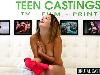 молодые грудастые молодые взволнованны и получают порку и жестокий секс