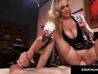Mega Hot Milf Julia Ann замучает и злоупотребляет своим рабом!
