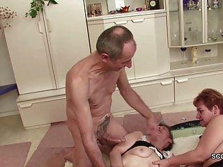 два немецкой бабки в порно кастинг с незнакомым дедушкой