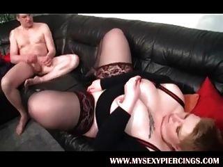 мой сексуальный пирсинг Bbw мамаша в чулках и пронзительные затылки