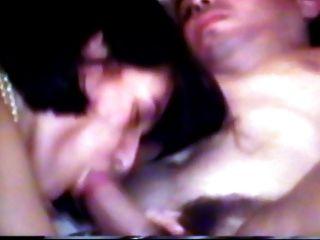 Andreasex рогоносец жена берет двух петухов в то время как фильм рогоносец