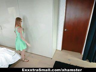 Exxxtrasmall крошечная секретарша трахнута своим боссом