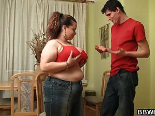 тощий парень трахает огромные сиськи толстый Gf