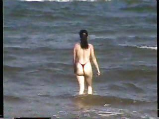 экстремальный купальник на пляже позади университета Ми 3