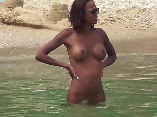 черная натуральная жена с большими сиськами