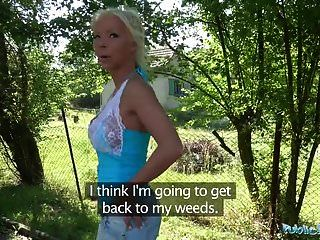 публичный агент горячая блондинка жена Барби Грехи трахает незнакомца