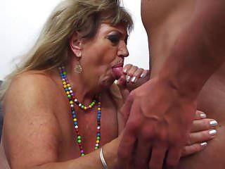 Bigtit бабушка и мама получает жесткий секс