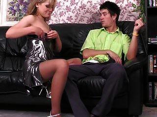 этот хороший анал на диване