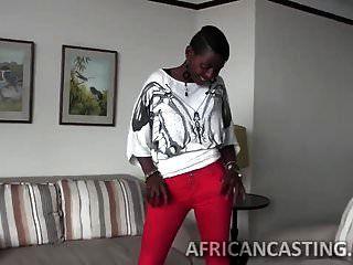 африканская милашка любит верхом петух