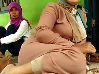 красивая мама ноги хиджаба!