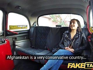 фальшивое такси впрыскивает кричащие горячие киски такси оргазмы