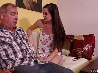сексуальный подросток дрочит зрелого мужчину