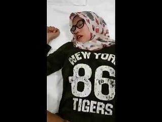 индонезия девушка хиджабы порно +2018