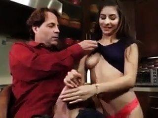 папочка трахает сексуальную дочь