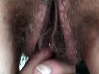 большие губы волосатая киска дрочит
