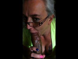 бабушка любит черный петух