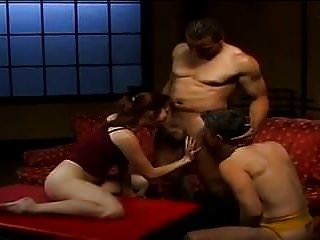 горячая жена делится и привязывает мужа