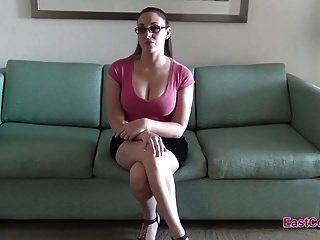 Мелани Хикс на собеседовании