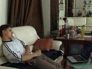 мама помогает молодому парню получить, бесплатно маму Beeg порно видео E9.mp4