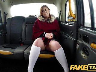 фальшивое такси сексуальный рыжий горячее такси сосать и трахаться в снежный день