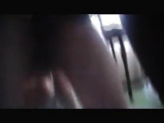 анальная жена трахается с черным, а муженек наблюдает и дергает