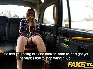 фальшивое такси ава остен в горячем возбужденном такси, чтобы получить ее работу