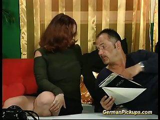 пухлый немецкий рыжий в своем первом порно кастинге