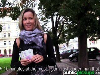 Mofos - Blanka зерно получает взял в общественных местах