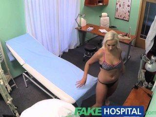 Fakehospital пациент полагает, что она имеет вирусное заболевание