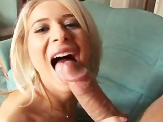 Anastasia Devine берет большой железный петух - естественный грудастая блондинку