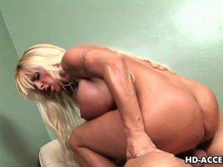 грудастая блондинка шлюха массивные Сперма и ебать!