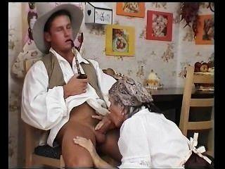 пухлый бабушка получает ее волосатые киски трахал