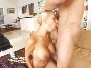 грудастая блондинка анал