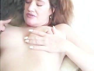 чертовски вкусный бабка и диплом на ее сиськи