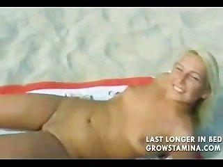 обнаженные блондинка трахал на пляже