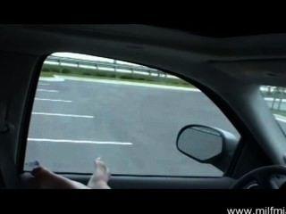 сосать хуй в машине