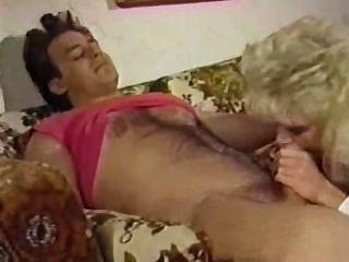 Ретро блондинка занимает хорошую Dicking