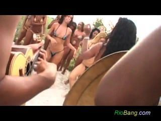 рио пляж анальный ебать оргия вечеринка