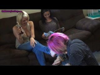 сестры деградируют поклонение рабыня ног
