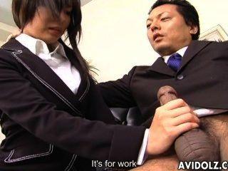 секретарь шлюха Сатоми Maeno дует петух без цензуры