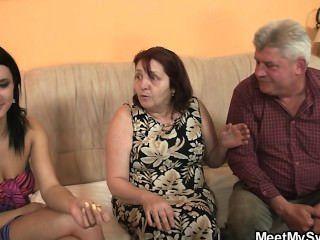старые родители ее трахнуть, как он покидает