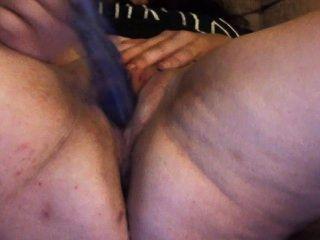 пухлый жена мастурбирует и впрыскивая