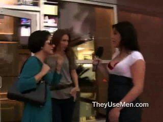 одевали женщины реагируют на реальные большие члены