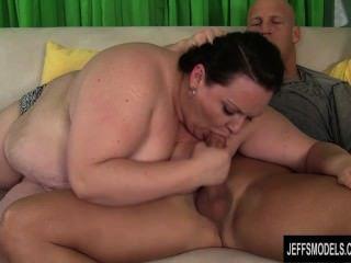 Joanna Roxxx получает ее жирную задницу