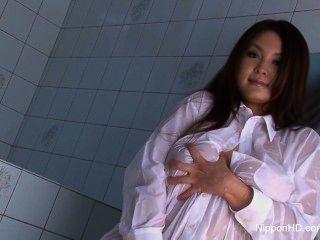 большой трах Японская девушка дразнит вас в душе