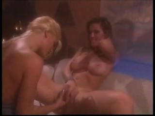 90-е порно: Джанин и Джилл Келли