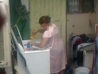 шпионаж тетушка задницу стиральная ... большой зад пухлые пополнела мама