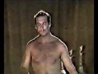 горячие БПК голые пап на сцене